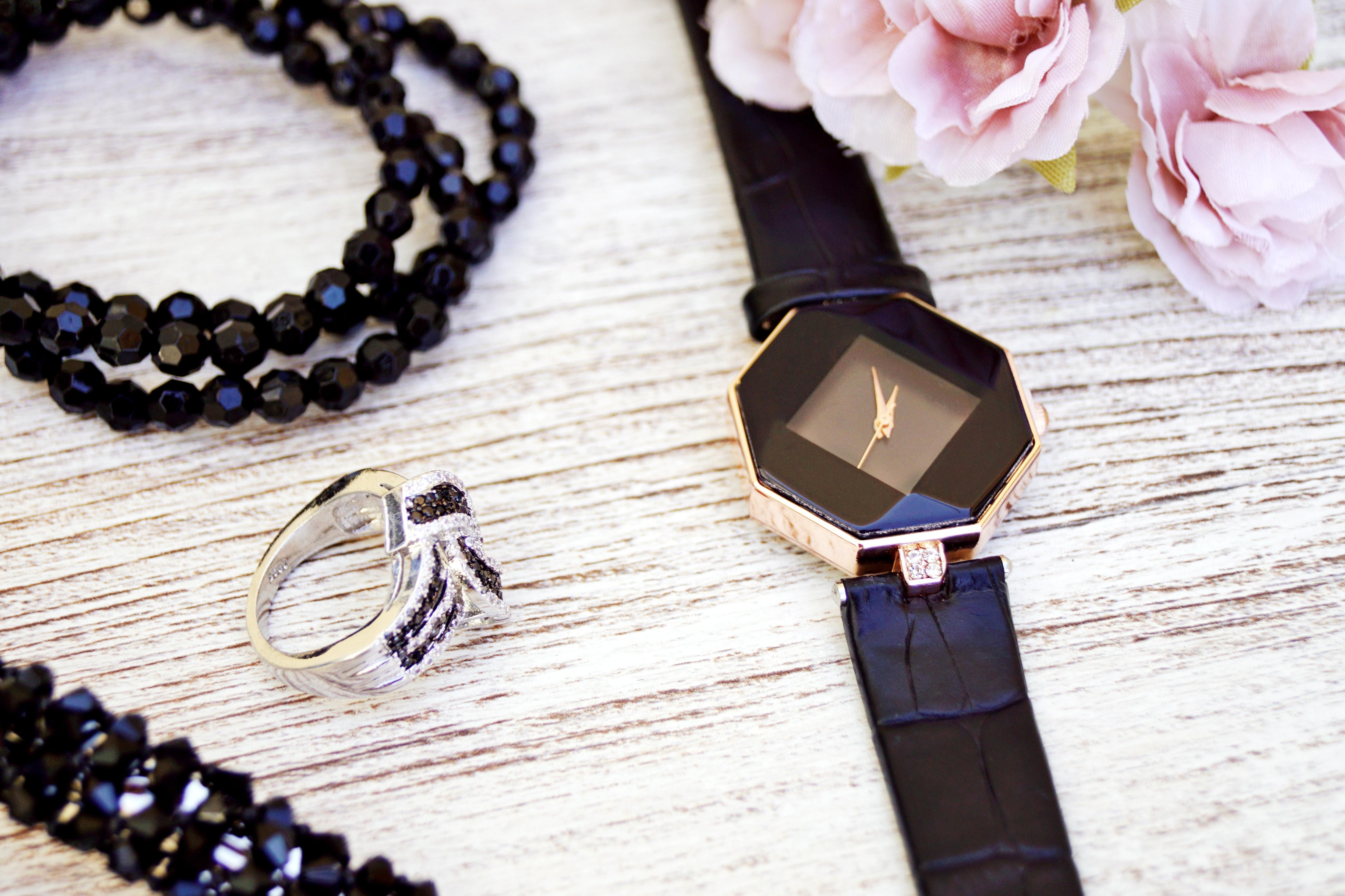 Køb eksklusive Jaguar ure og smykker fra Lene Visholm hos Exklusiv guld og sølv Aps