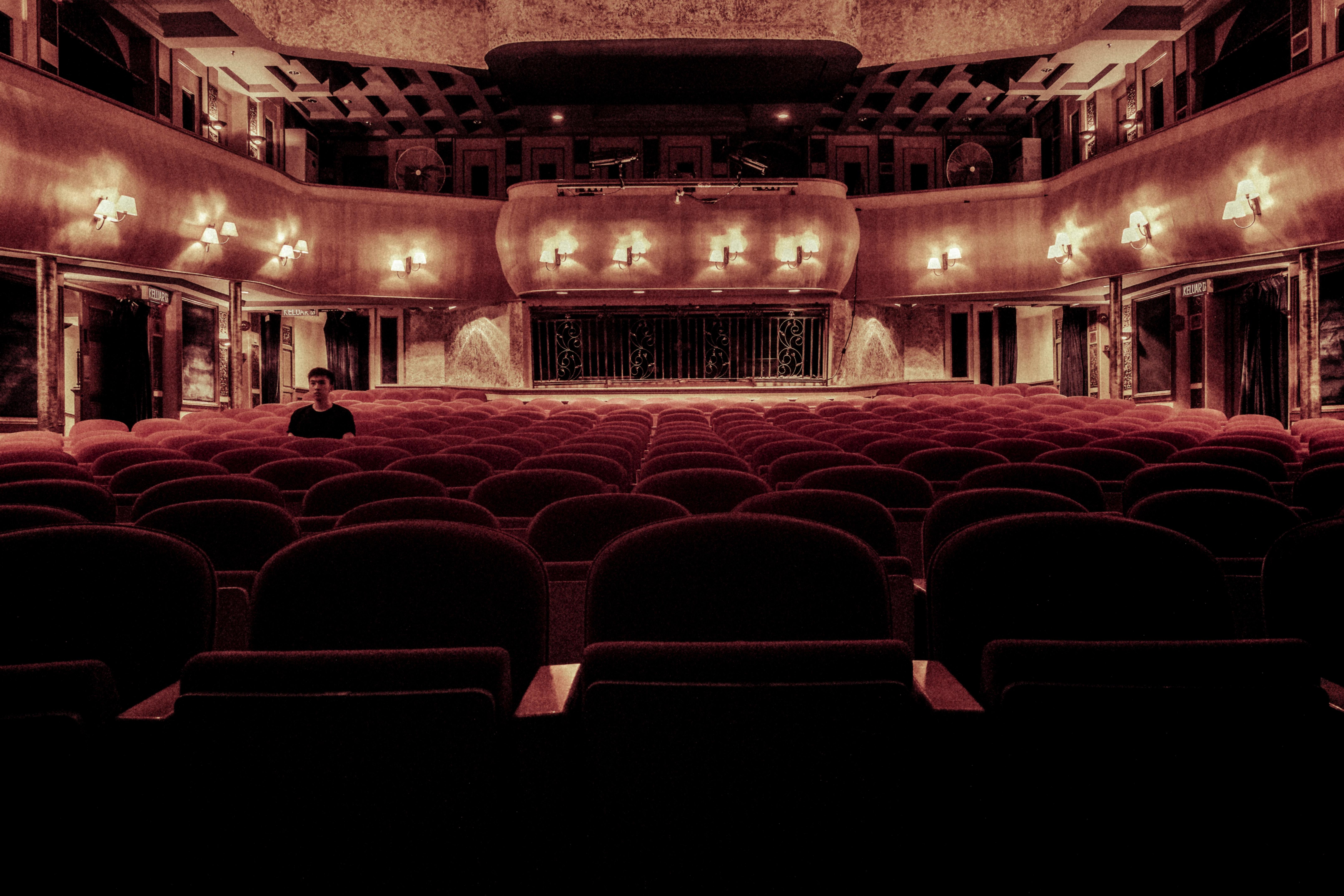 Få en oplevelse for livet på sang højskole og teater højskole