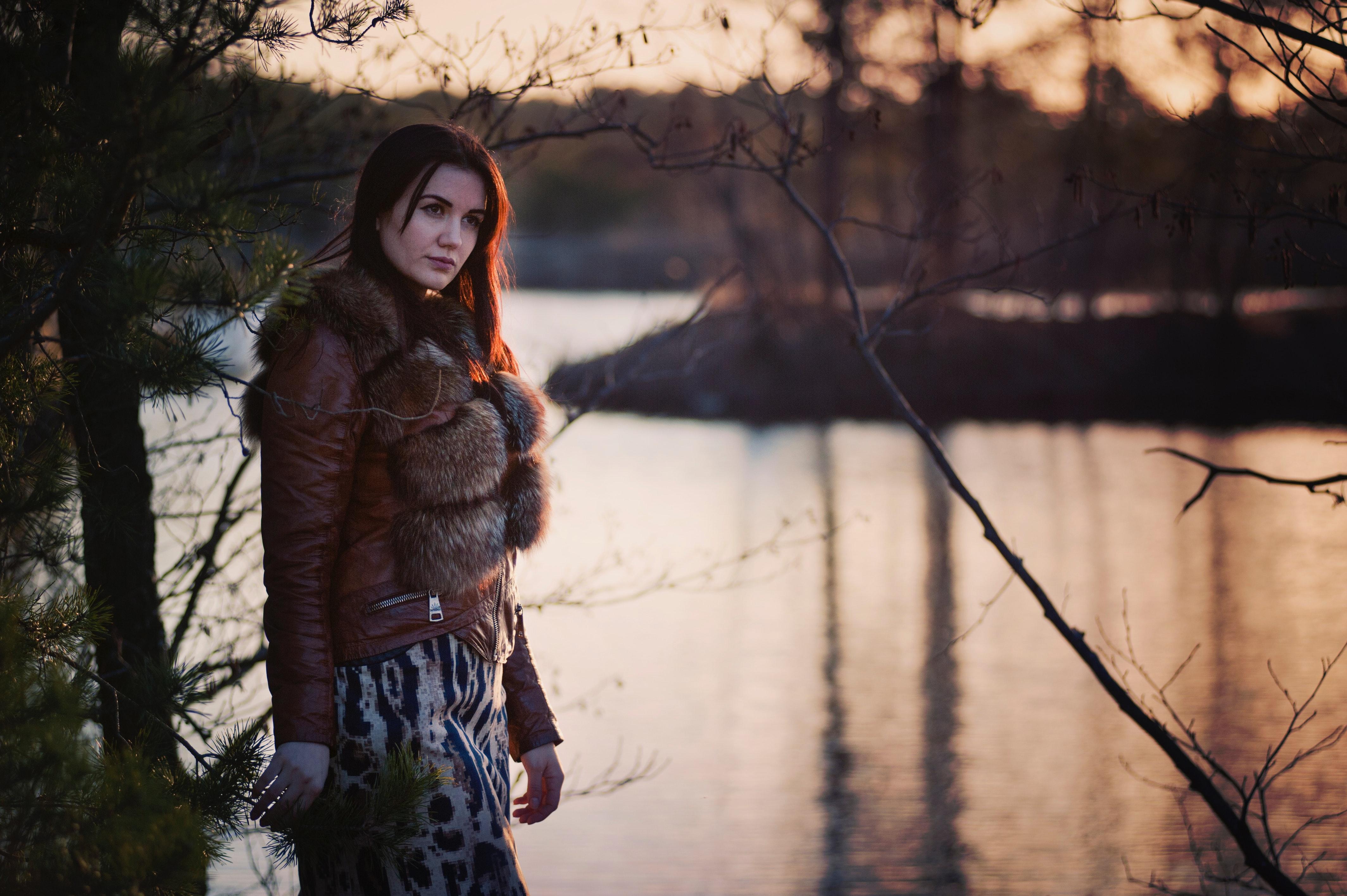 Stort udvalg af flotte nederdele og dejlige pelsjakker til skarpe priser hos Buch Copenhagen