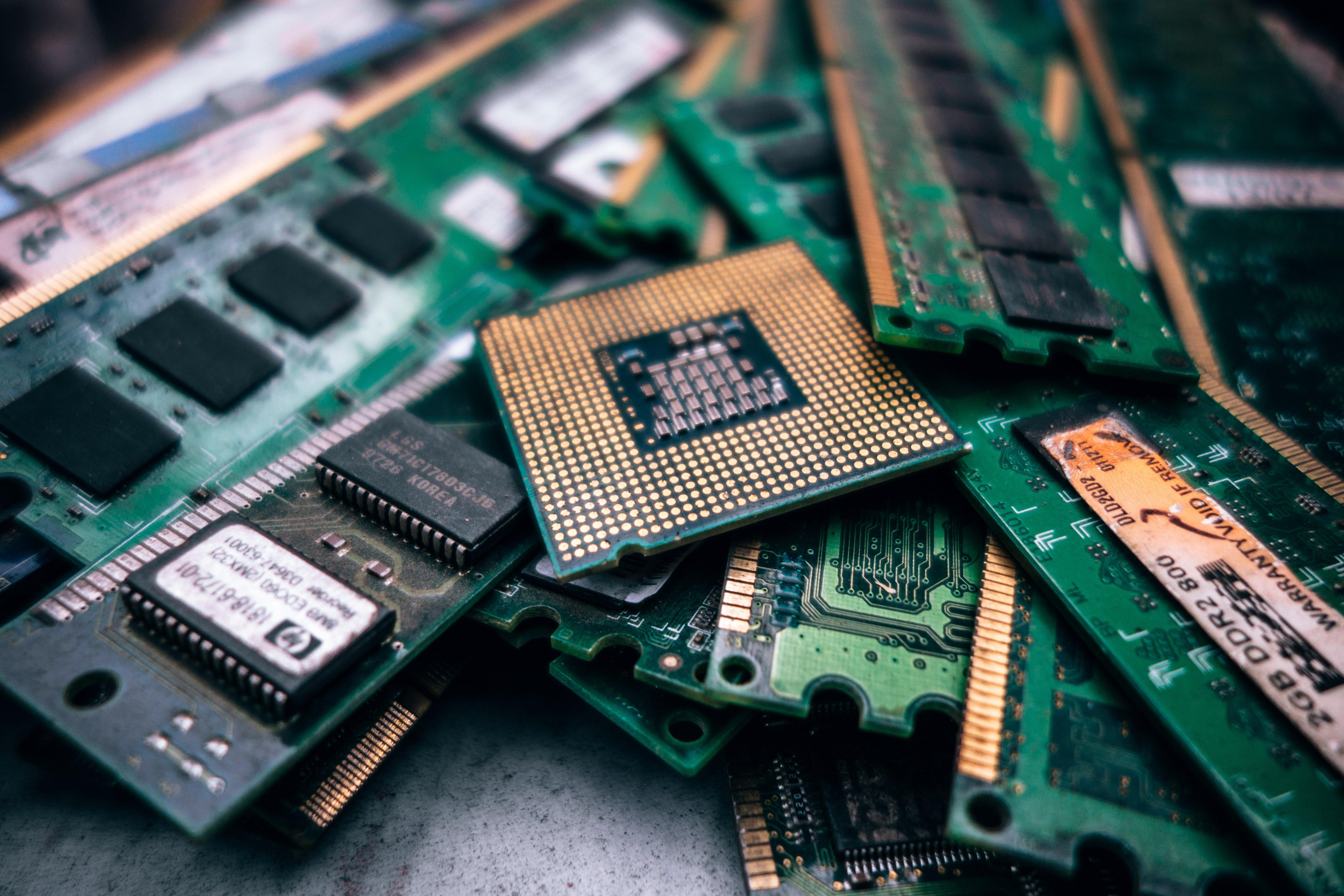 Micro SD kort og netværkskabler til attraktive priser online