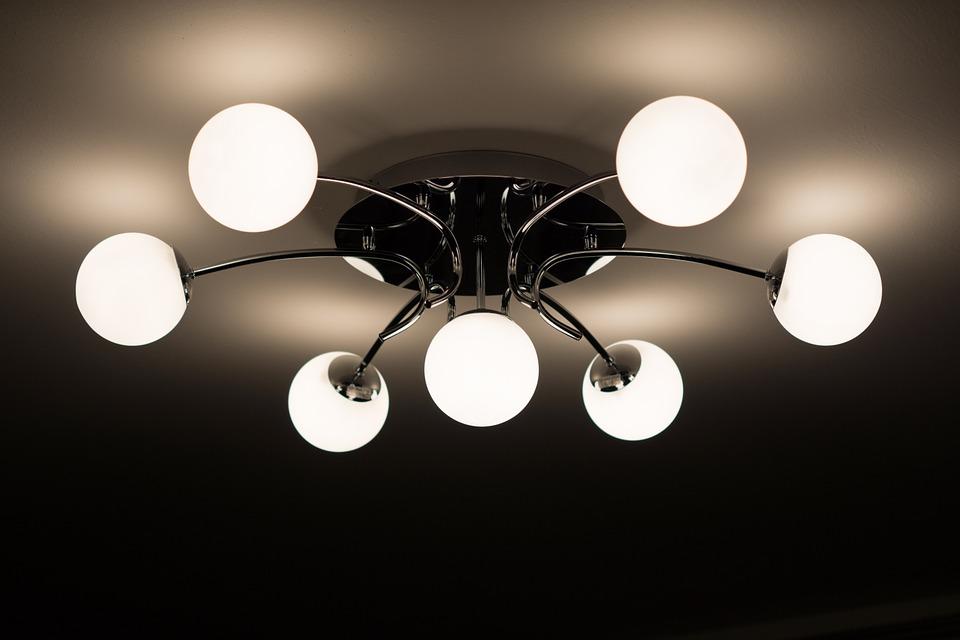 Stort udvalg af Le Klint lamper og Gubi lampe i høj kvalitet hos Designerlys.dk