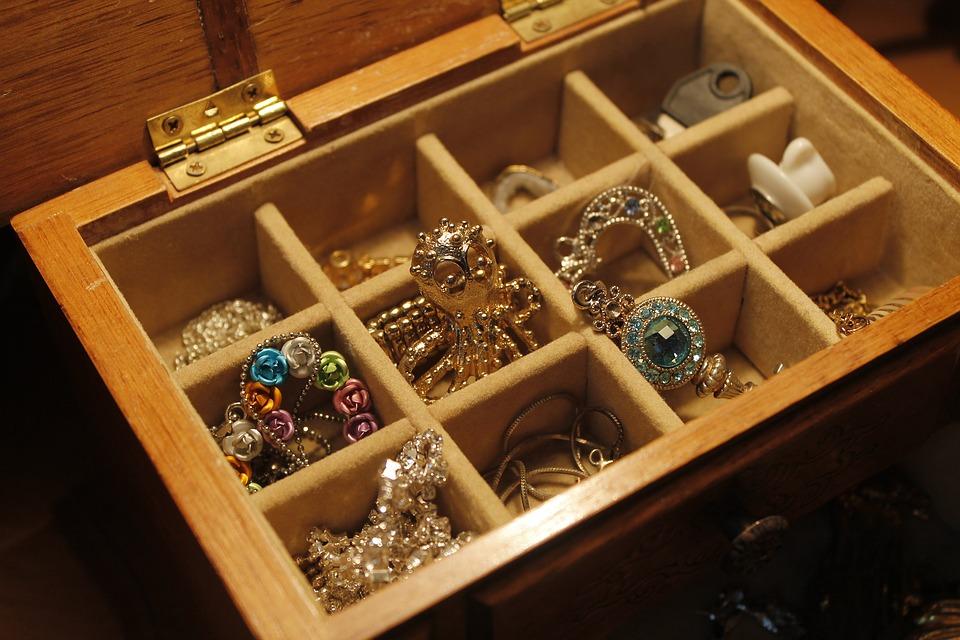 Ganni strik og Pico smykker – Hurtig levering hos Mette F
