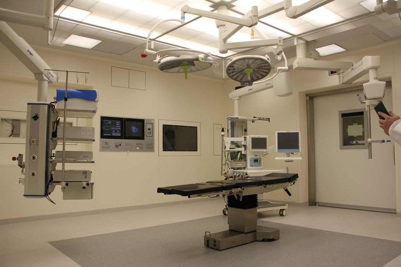 Fedtsugning og andre plastikkirurgiske operationer af dygtige plastikkirurger