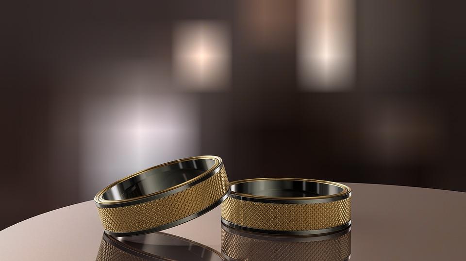 Find et bredt udvalg af smykker såsom allianceringe til gode priser på www.guldsmykket.dk