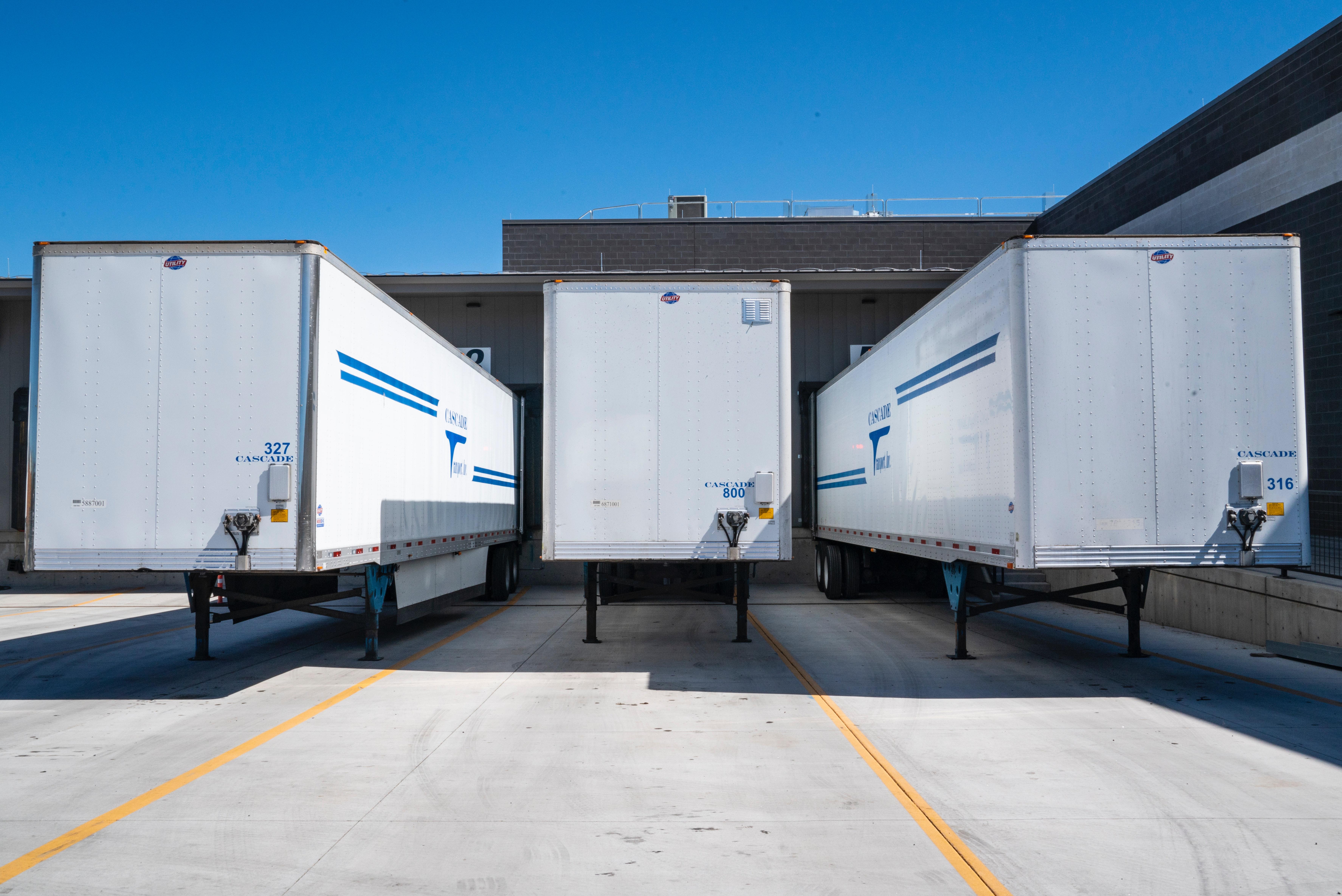 Køb en trailer med to akser eller se udvalget af maskintrailere fra Trailergaarden Gantrup