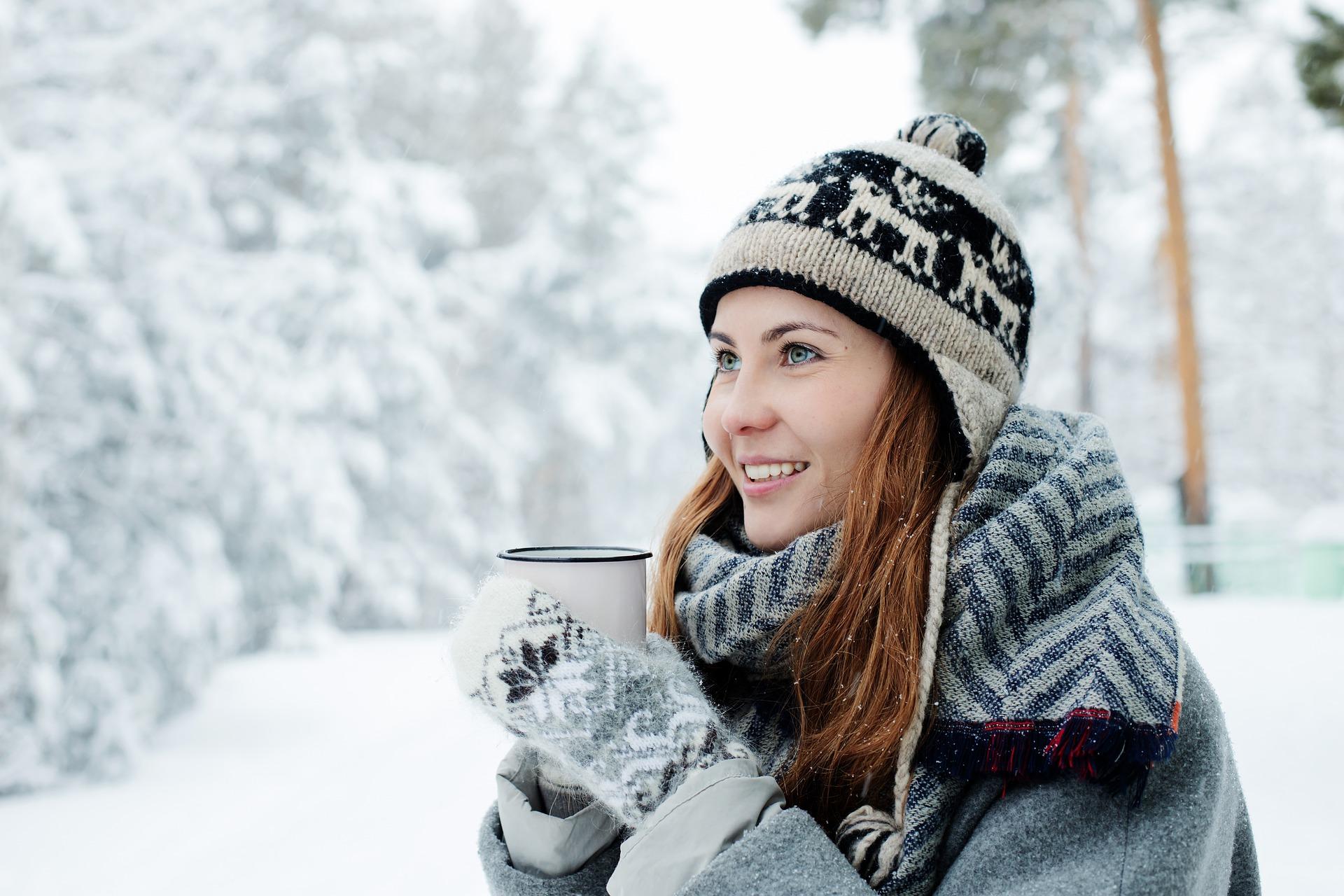 Uldhandsker og uld halstørklæder fra naturlig-beklaedning.dk er et must til vinteren